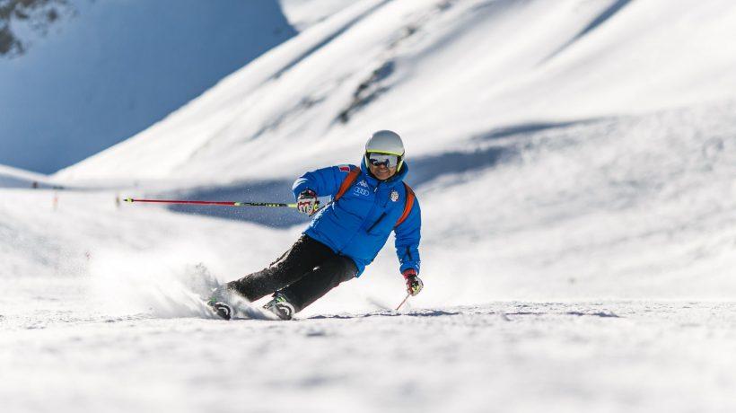 Everyone goes skiing in Bansko